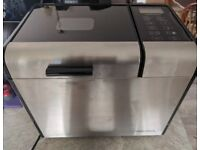 MORPHY RICHARDS BREAD MAKER and manual boxed (used but very good condition)