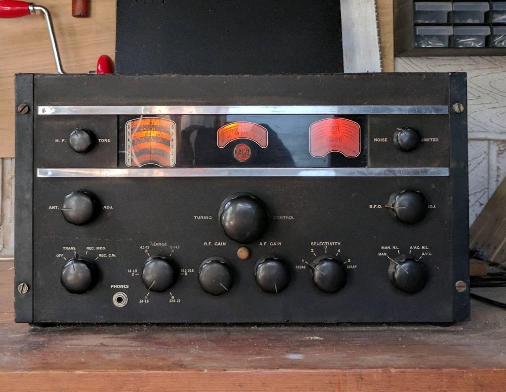 RCA AR88 Radio