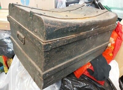 Trunk / Box - Retro Vintage Turquoise Metal Trunk / Box. 45cm high x 73cm wide x