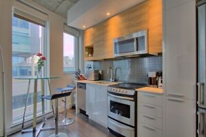 Open 1 bed- 500sf, balcony, all appliances, gym, pool, rooftop !