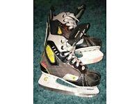 Child's Ice hockey skates - size 34 (2)