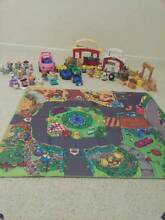 LITTLE PEOPLE TOY SET IN GREAT CONDITION BARN, FAMILY AND EXTRAS Reedy Creek Gold Coast South Preview