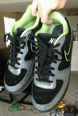 Vintage Nike Air tennis shoes 2006 Black and Green size 11 Super Clean & Nice