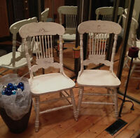 Set of 4 Oak Pressback Dining Chairs/Antique White/Distressed