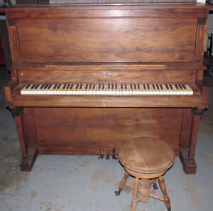 MOZART PIANO #1500 FOR SALE London Ontario image 1