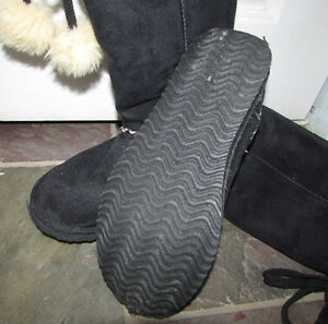 Black Suede Winter Boots - Size 8 Gatineau Ottawa / Gatineau Area image 3