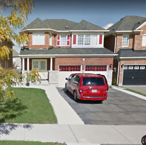 Luxurious and Spacious Home For Rent In Brampton Castlemore
