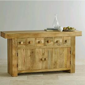 Large solid oak sideboard/tv unit