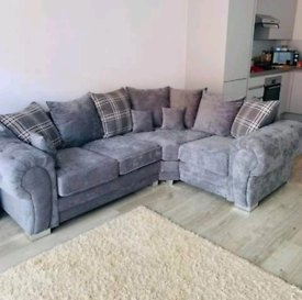 New - 4 Seater Verona Corner Sofa With Scatter Back Cushions