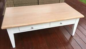 Matching TV Cabinet and Coffee Table