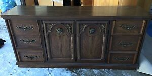 6 piece Bedroom Set in EUC