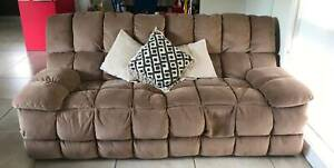 Lounge Suite, 3 seater, 1 seater and Chaise. Pick up Werribee