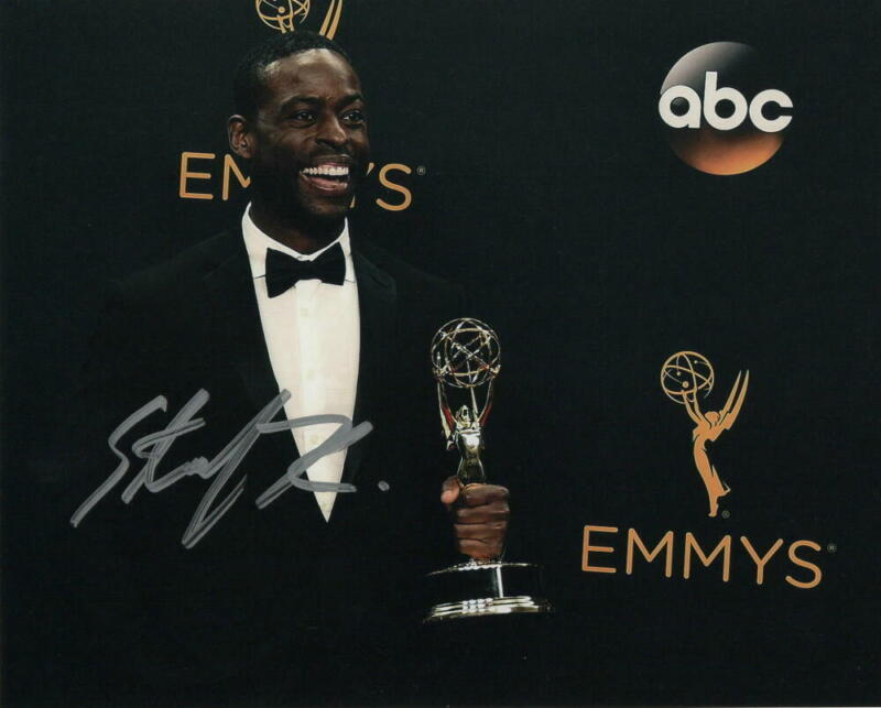 STERLING K BROWN SIGNED AUTOGRAPH 8X10 PHOTO - RANDALL THIS IS US STUD, FROZEN 2