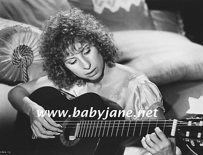 106 BARBRA STREISAND PLAYS GUITAR A STAR IS BORN PHOTO