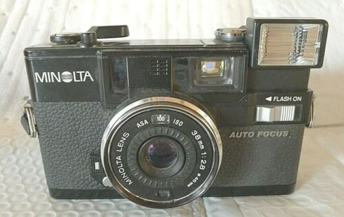 Minolta Hi-Matic AF2 Auto Focus 35mm Camera - Built in Flash - TESTED - Japan