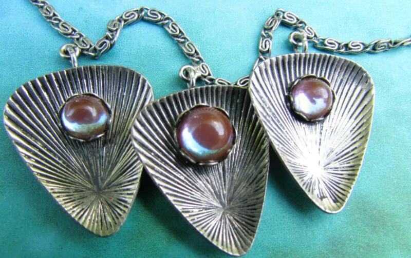 Antique Iridescent Saphiret Glass Cabochon Seashell Necklace