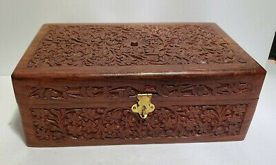 Vintage hand carved wooden  velvet lined with removable tray jewelry boxBox with leaf borderJewelry storageMemento boxjewelry keeper