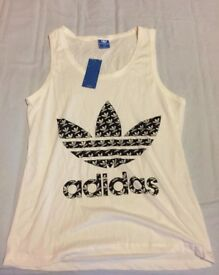 Tank Tops fits size Medium new collection only millbrook oos