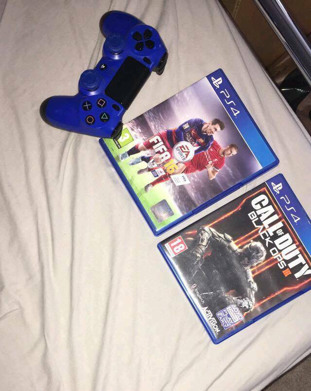 ..blue ps4 controller £30. games £10 each headset £30 or 75 for all