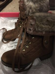 Brown Boots Size 5.5
