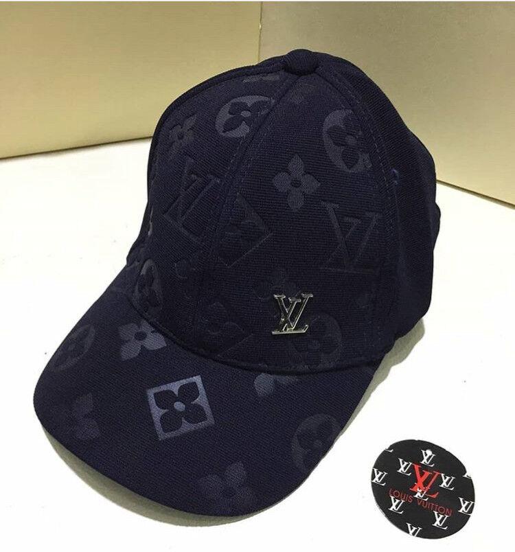 Louis Vuitton Caps  a474eb40d6ce