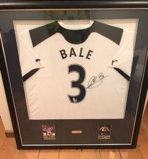 Gareth bale signed and framed jersey