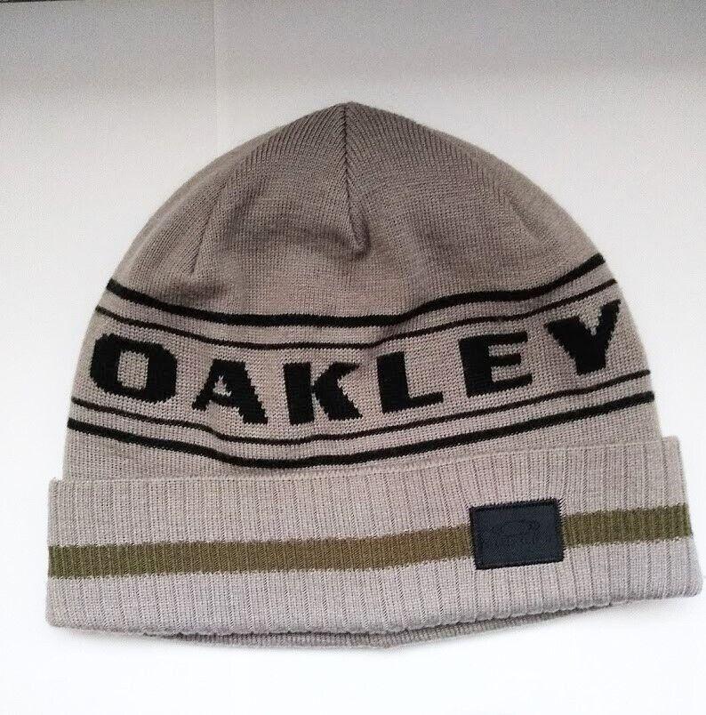 b3eeea914a0 Oakley Rockgarden Cuff Beanie