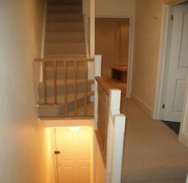 Spacious 2 bed maisonette flat to rent, available now!