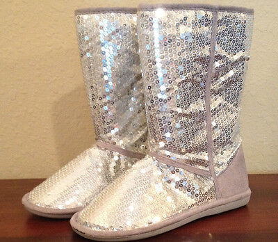 NWT Charles Albert SUSIE SEQUIN w/FAUX FUR Malby SILVER SEQUIN Boots Womens 6](Susie Boots)