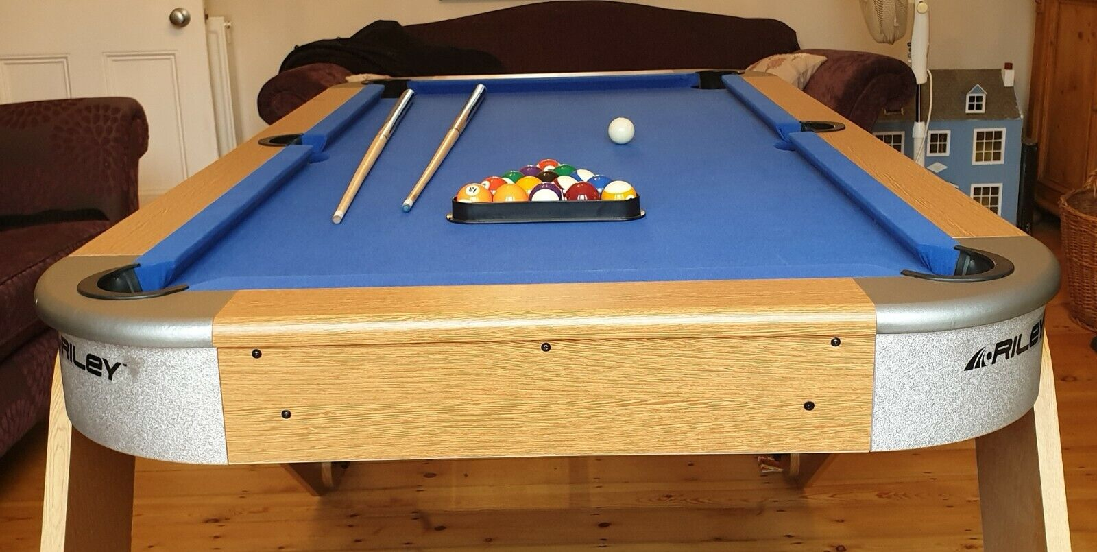 Pool Table - Riley 6ft 6In Vertical Folding Pool Table - light use only