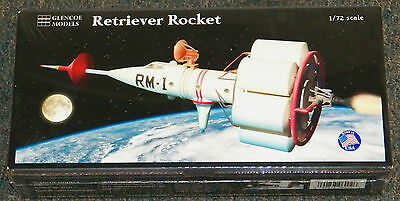 GLENCOE Disney Mars Retriever Rocket spacecraft model kit 1/72