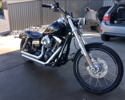 Harley Wide glide 2014 less than 5000klm