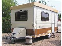 Gobur Carousel 12/2T Folding Caravan with awning