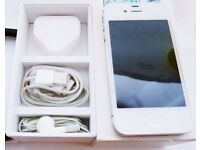 Apple iPhone 4S 16GB Unlocked like new condition comes with original box