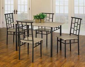 Variete des ensembles de tables à manger 5 Mcxs ou 7 Mcxs. www.cadeauxvilla.com