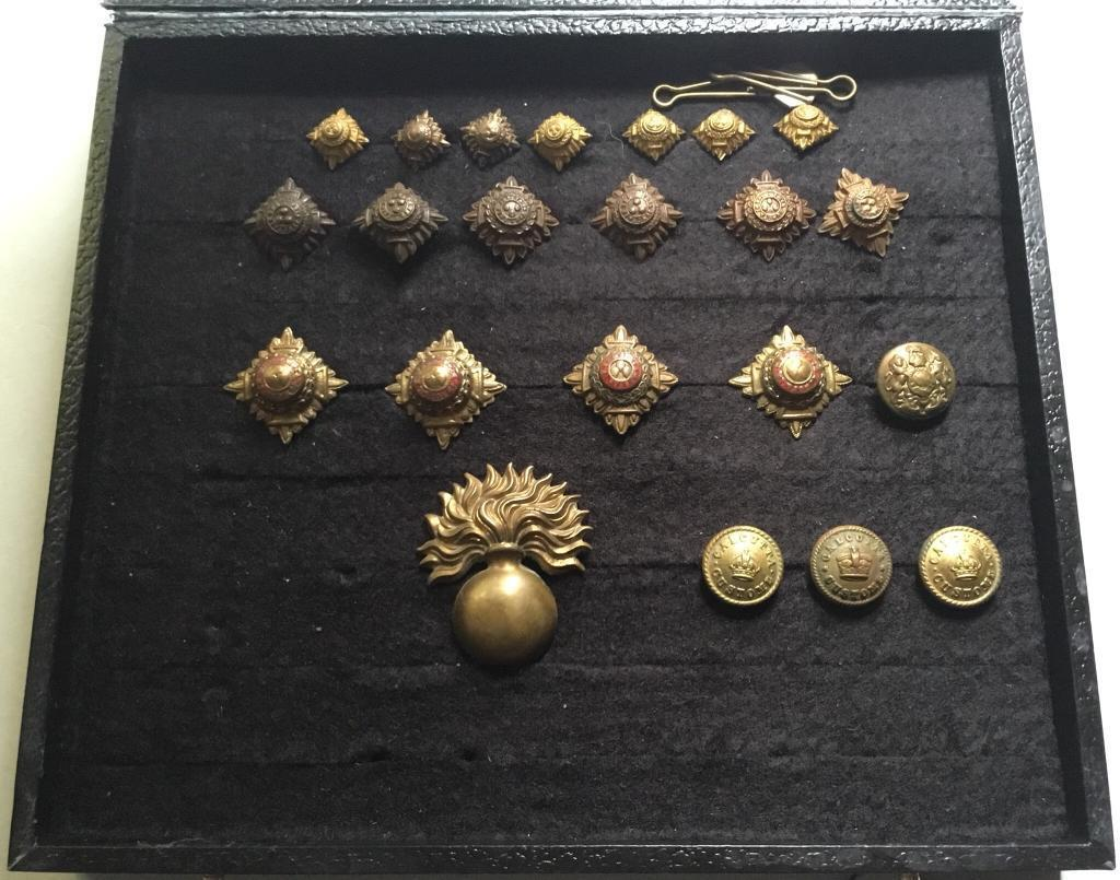 Selection of Military Pips/Buttons/Cap Badge