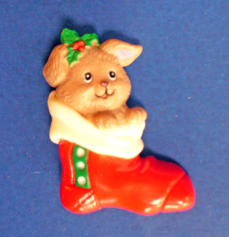 Russ PIN Christmas Vintage PUPPY DOG in STOCKING Tan Holly Holiday Brooch
