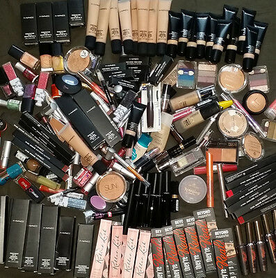 30 x Joblot Wholesale Bankrupt stock BIG Branded Make Up From the picture,,,