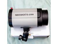 Neewer C250 studio flash