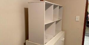 Open shelving unit