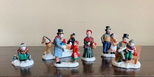 St Nicholas Square Figurines Carriage Shoppers Skier Bench Teddy Bear Christmas