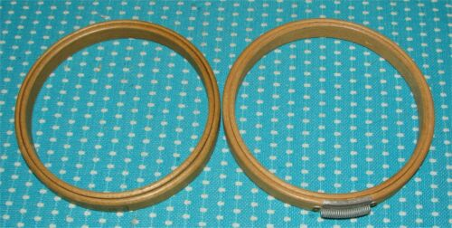 """2 Vtg Wood Embroidery Hoops Duchess & Gibbs 4"""" Felt Lined Cushion Antique Round"""