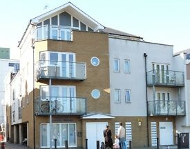 Spacious 1 bedroom first floor flat in central Gravesend - available July