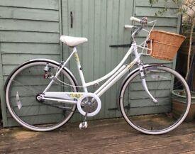 Vintage 1991 Raleigh Caprice Loop Frame Ladies Bike Liz Pepperell Bicycle Wicker Basket 3 Speed
