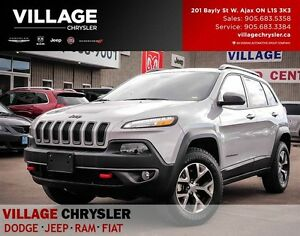 2016 Jeep Cherokee Trailhawk, Pano-roof, Nav, Leather, Remote St