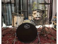 Jobeky Prestige Custom + Roland Td-11 module and Cymbals (VH11, CY13R, CY12C)