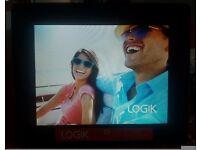 "LOGIK L07DPF13 LED Backlight 7"" Digital Photo Frame SD / MMC / MS /SDHC"