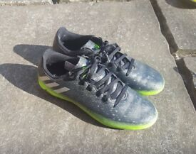 3 pairs of football boots - junior sizes