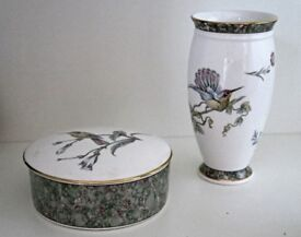 Beautiful Wedgwood Humming Birds Bone China Vase and matching Trinket Box