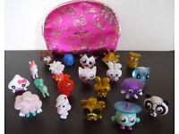 19 Moshi Monsters with embroidered bag, like new